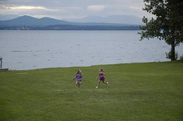 Charlotte kids running.jpg