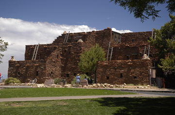 Grand Canyon Hopi House.jpg