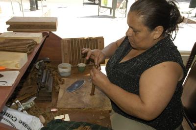 Ybor cigar making.jpg
