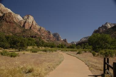 Zion pahrus trail.jpg