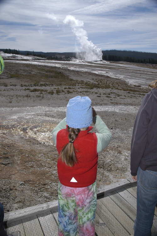 yellowstone-geyser-walk.jpg