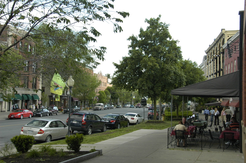 saratoga-springs-downtown.jpg